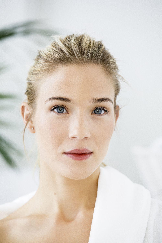 La crema hidratante es un paso fundamental para tener la piel luminosa