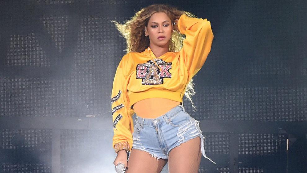 Beyoncé en su actuación de Coachella 2018