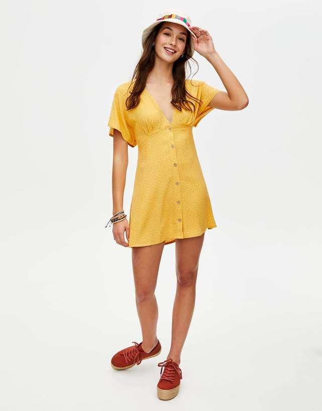mejor servicio 2194a a9112 Con topos, de Pull & Bear | Los 15 vestidos de primavera que ...