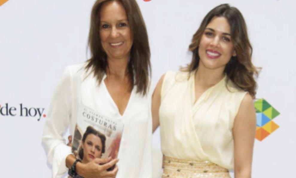 María Dueñas junto con la actriz Adriana Ugarte.