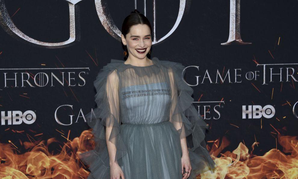 Emilia Clarke posa para los fotógrafos en la premiere de Juego de...