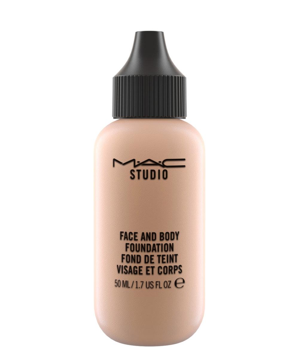 Base de maquillaje para el rostro y el cuerpo de MAC.