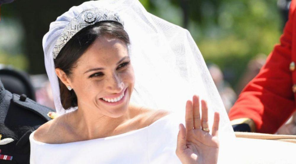Meghan Markle con la tiara de Mary de Teck , perteneciente a la...