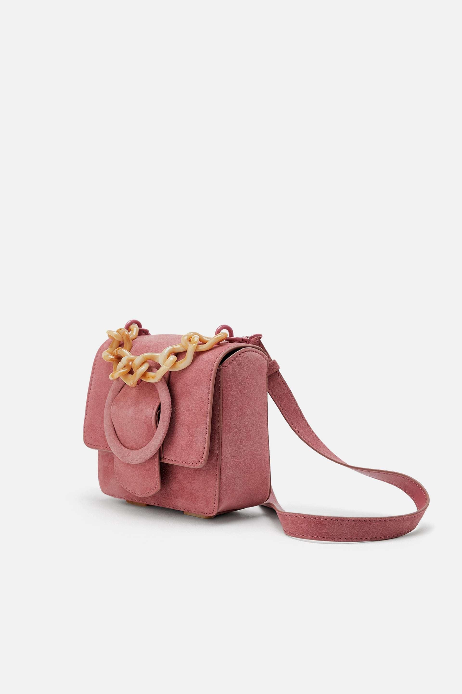 Bolso de Zara 839,95 euros).