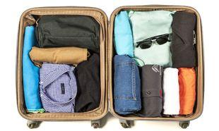 La maleta, mejor con dos compartimentos.