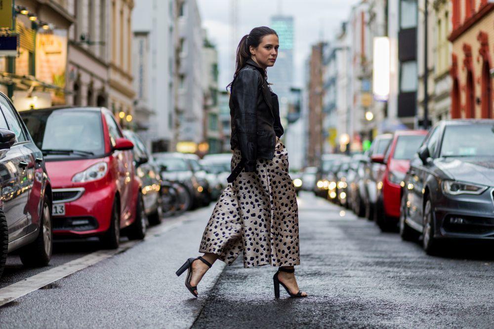 Los pantalones anchos o culottes protagonizan los mejores...