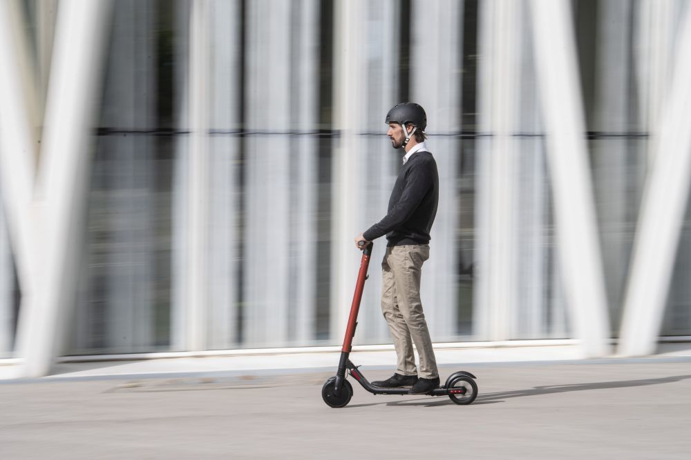 Patinete eléctrico KickScooter eléctrico eXS powered by Segway.