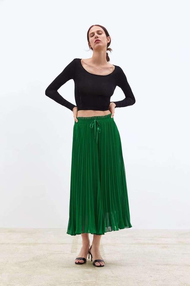 zara pantalon verde plisado