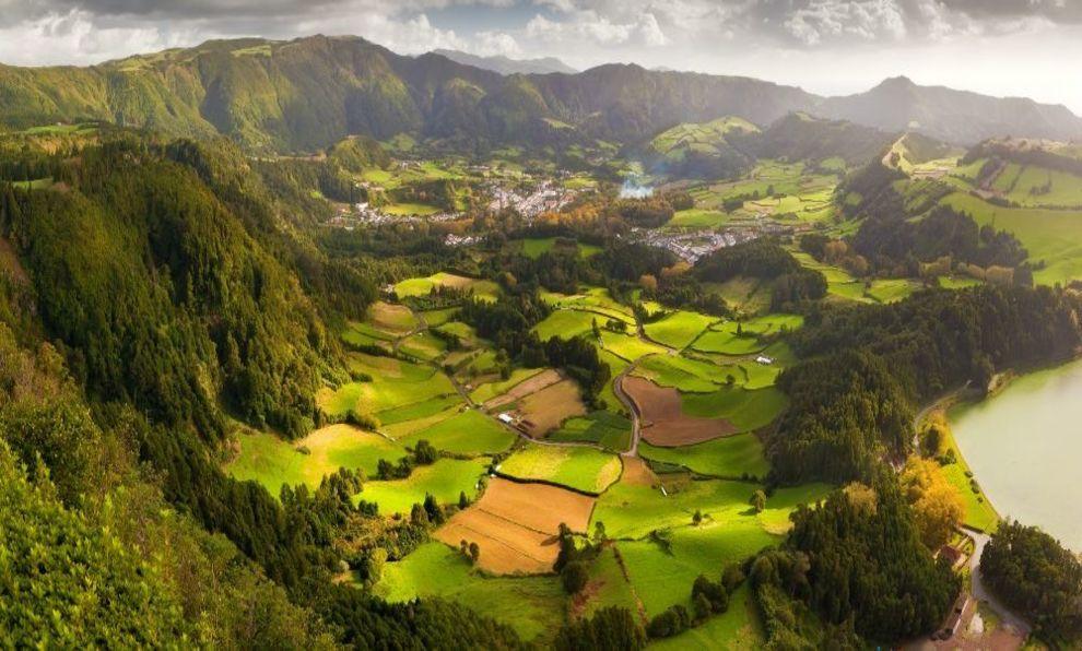 Tierras de cultivo en la isla de San Miguel en las Azores.