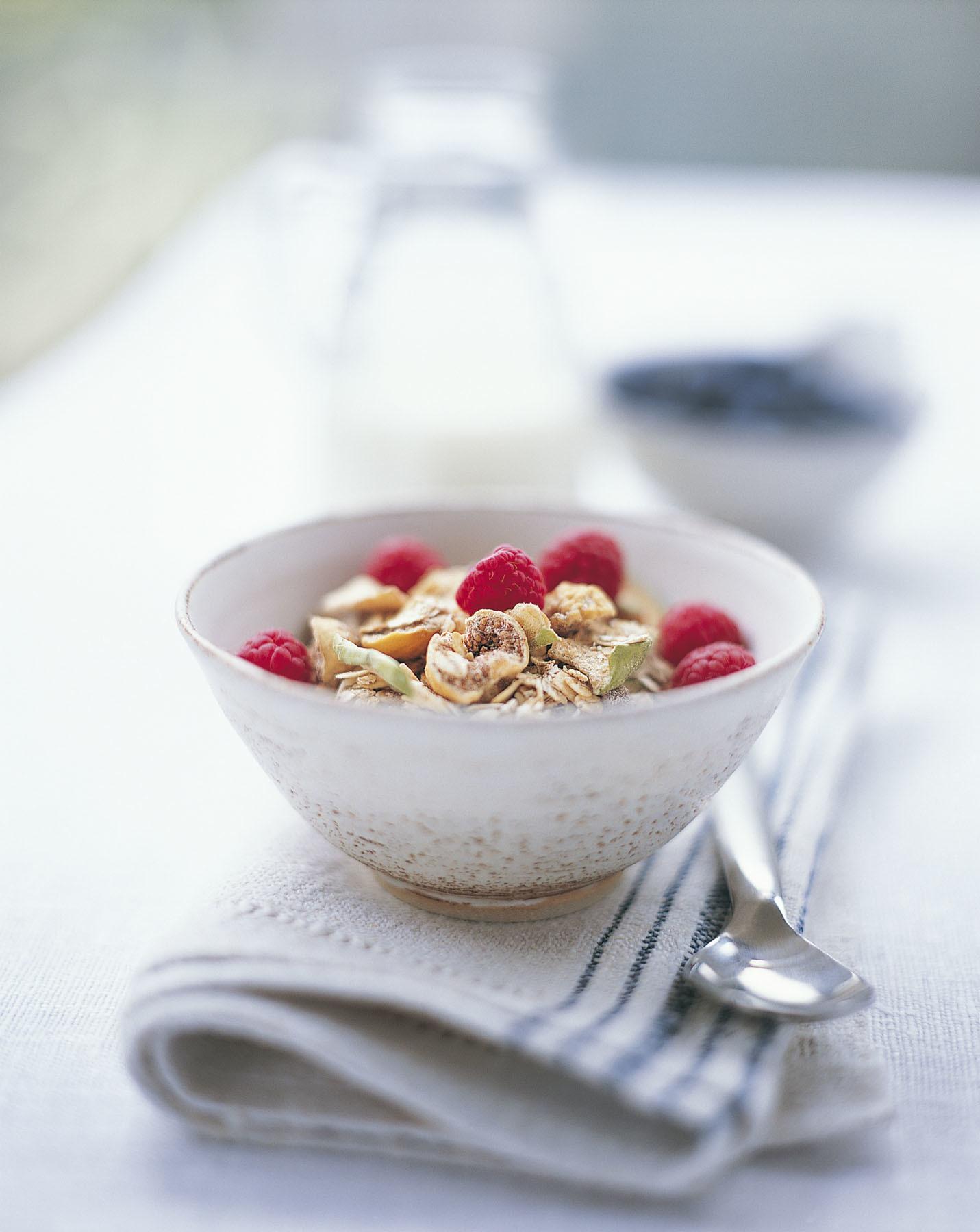 Puedes añadir semillas a tus yogures, batidos, sopas, cremas de...