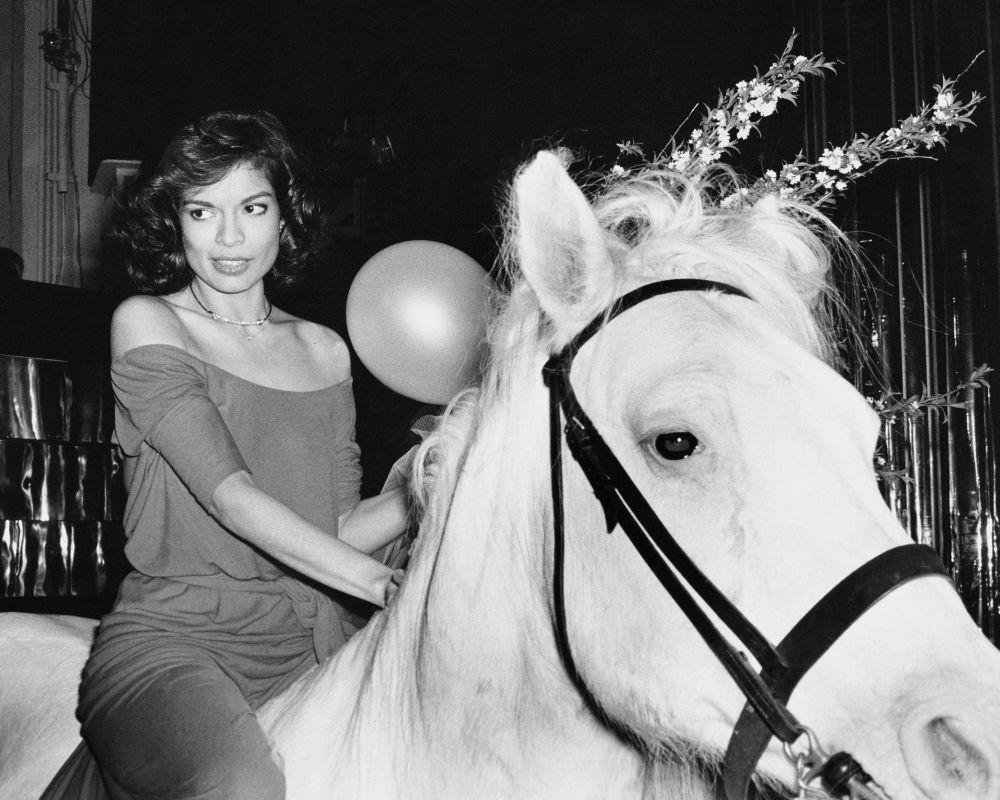 Bianca Jagger, a caballo, la noche que celebró su cumpleaños en Studio 54.