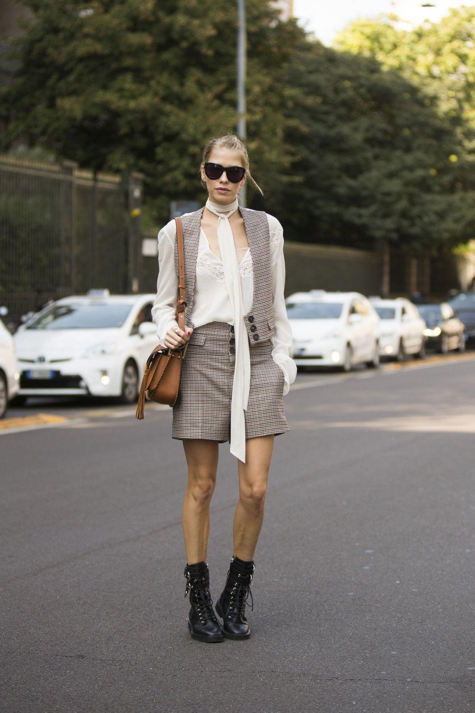 El street style también se apunta a la moda del chaleco con looks tan...