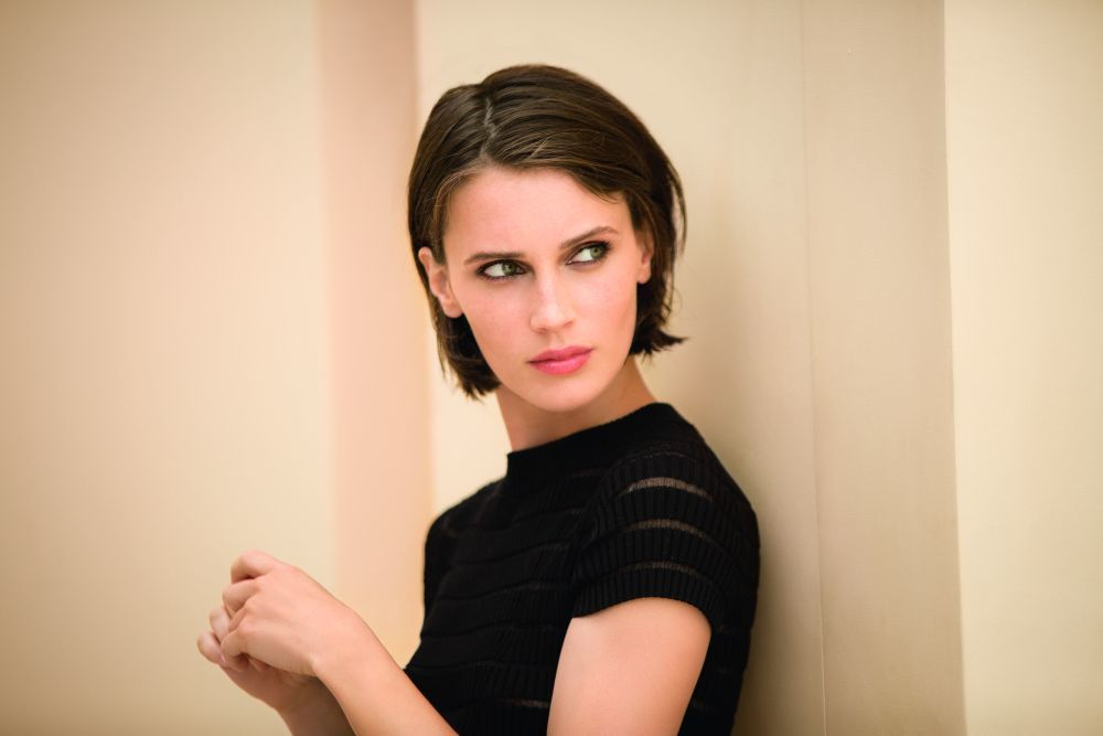 La actriz Marine Vacth, embajadora de maquillaje de Les Beiges Chanel,...