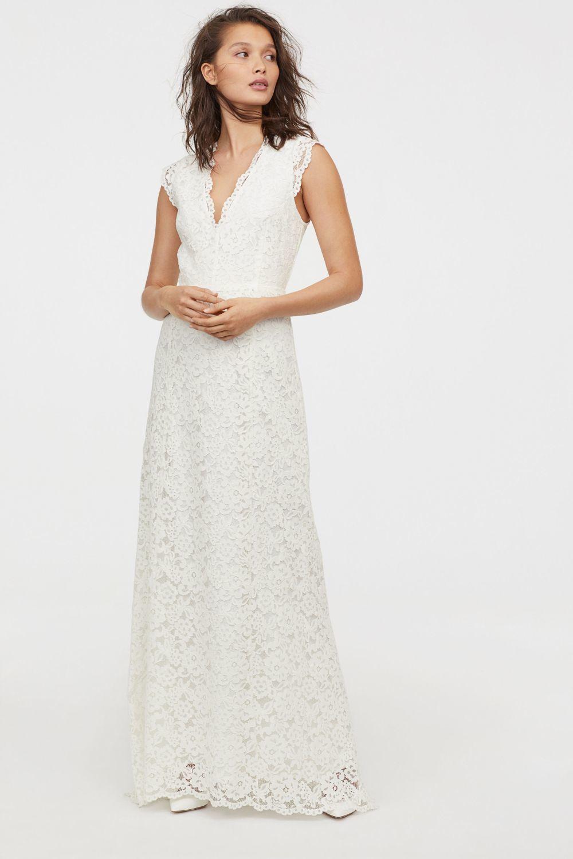 Vestido de novia de encaje (179 euros).