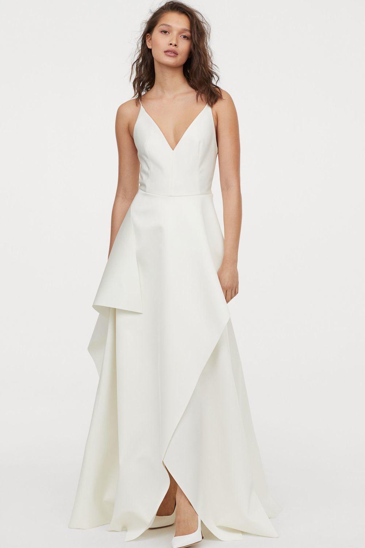 Vestido de novia de satén de H&M (249 euros).