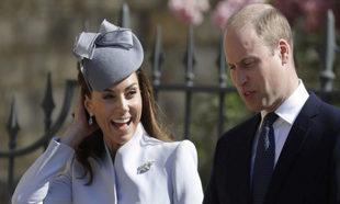 Kate Middleton y el príncipe Guillermo en la misa de Pascua.