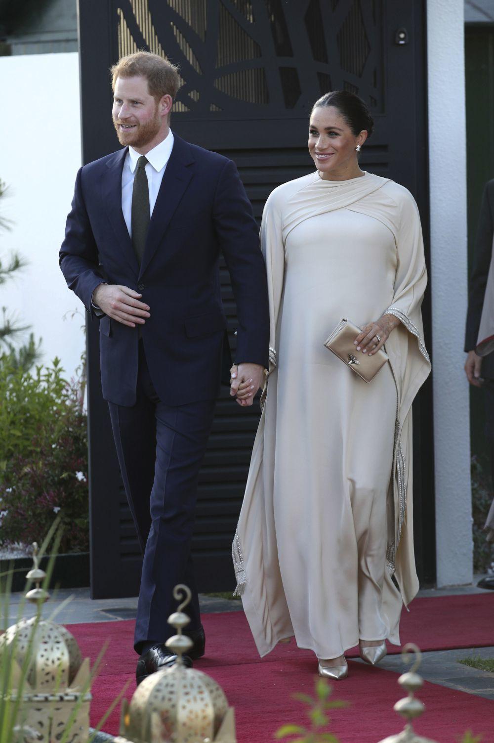 El príncipe Harry y Meghan Markle en uno de sus viajes oficiales, en...