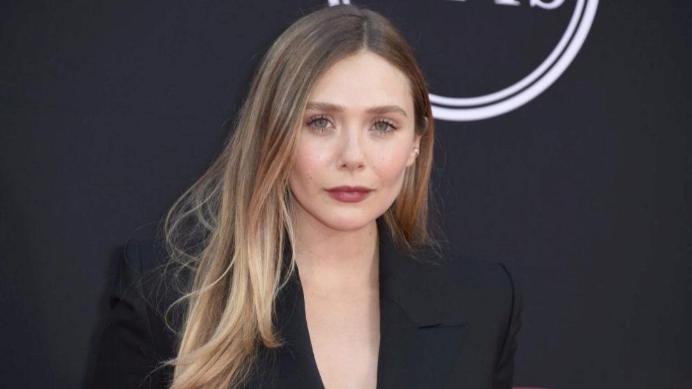 Elizabeth Olsen con su melena larga antes de estrenar su nuevo...