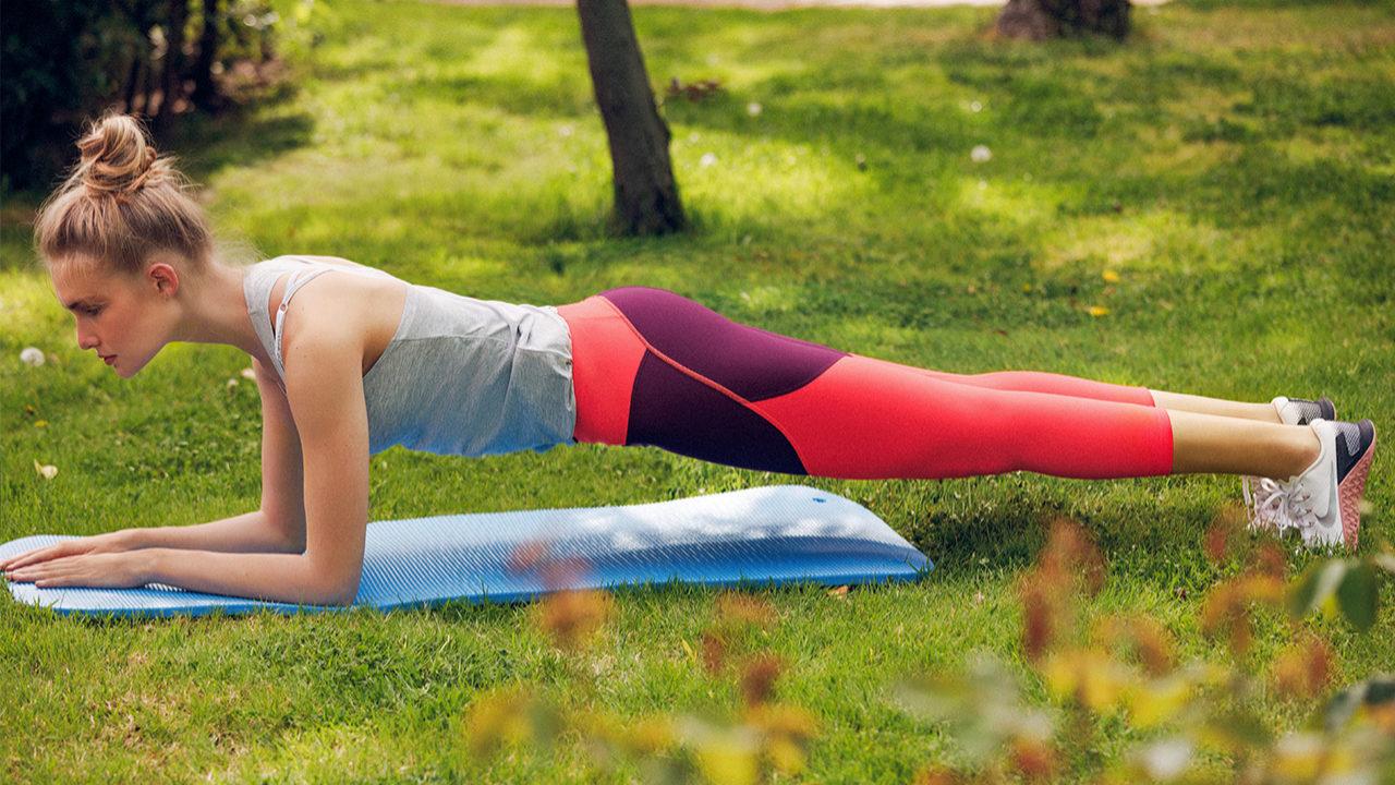 La plancha es uno de los ejercicios más efectivos para conseguir un...