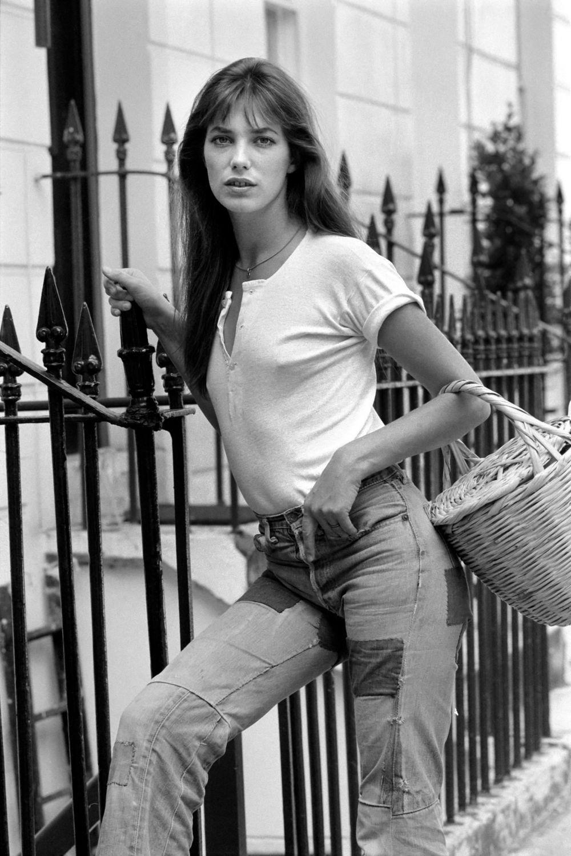 Jane Birkin con su inseparable cesta de mimbre.