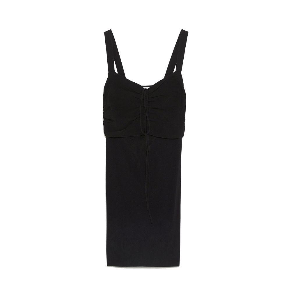 Vestido negro de Zara (25,95 euros)