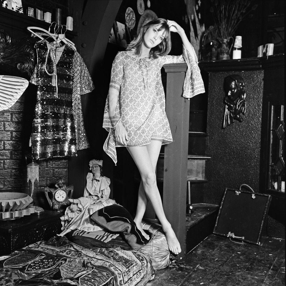 Jane Birkin  con minivestido bohemio