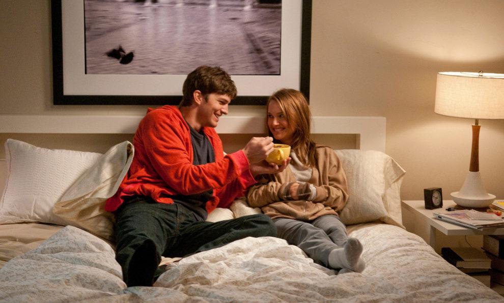 "Ashton Kutcher y Natalie Portman en un fotograma de ""Sin Compromiso""."