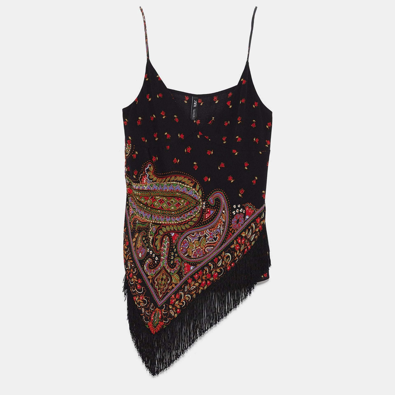 Top asimétrico con flecos y estampado hippy de Zara