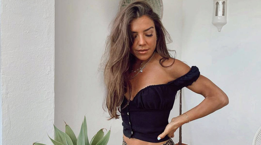 Paula Ordovás en top negro