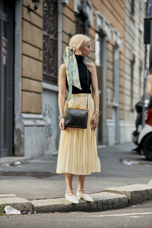 ¿Qué falda comprar esta temporada? plisada y de largo midi.
