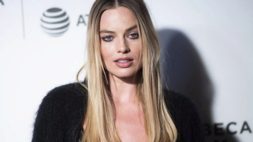 Margot Robbie con unas mechas californianas que son la perfecta...