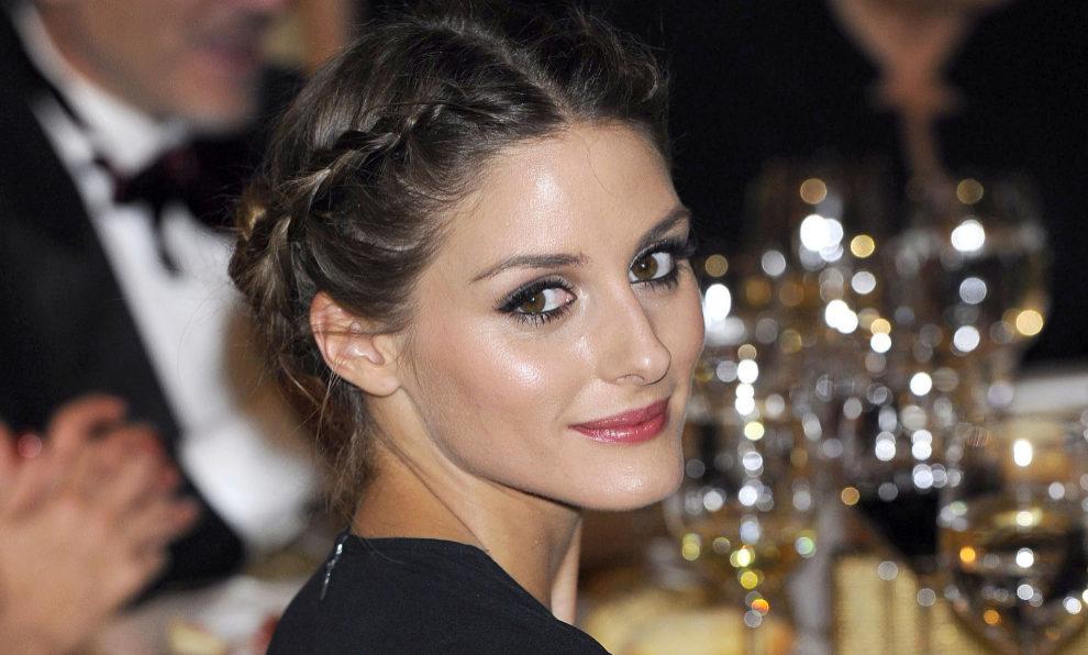 Olivia Palermo con un peinado de trenza.