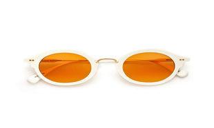 Gafa de sol con aros de acetato monocolor blanco y lentes en color...