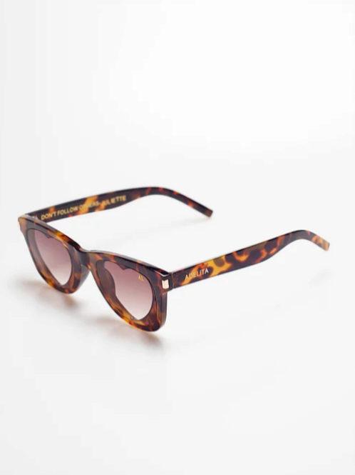 Gafas de sol con lentes con forma de corazón de carey de Adelita...