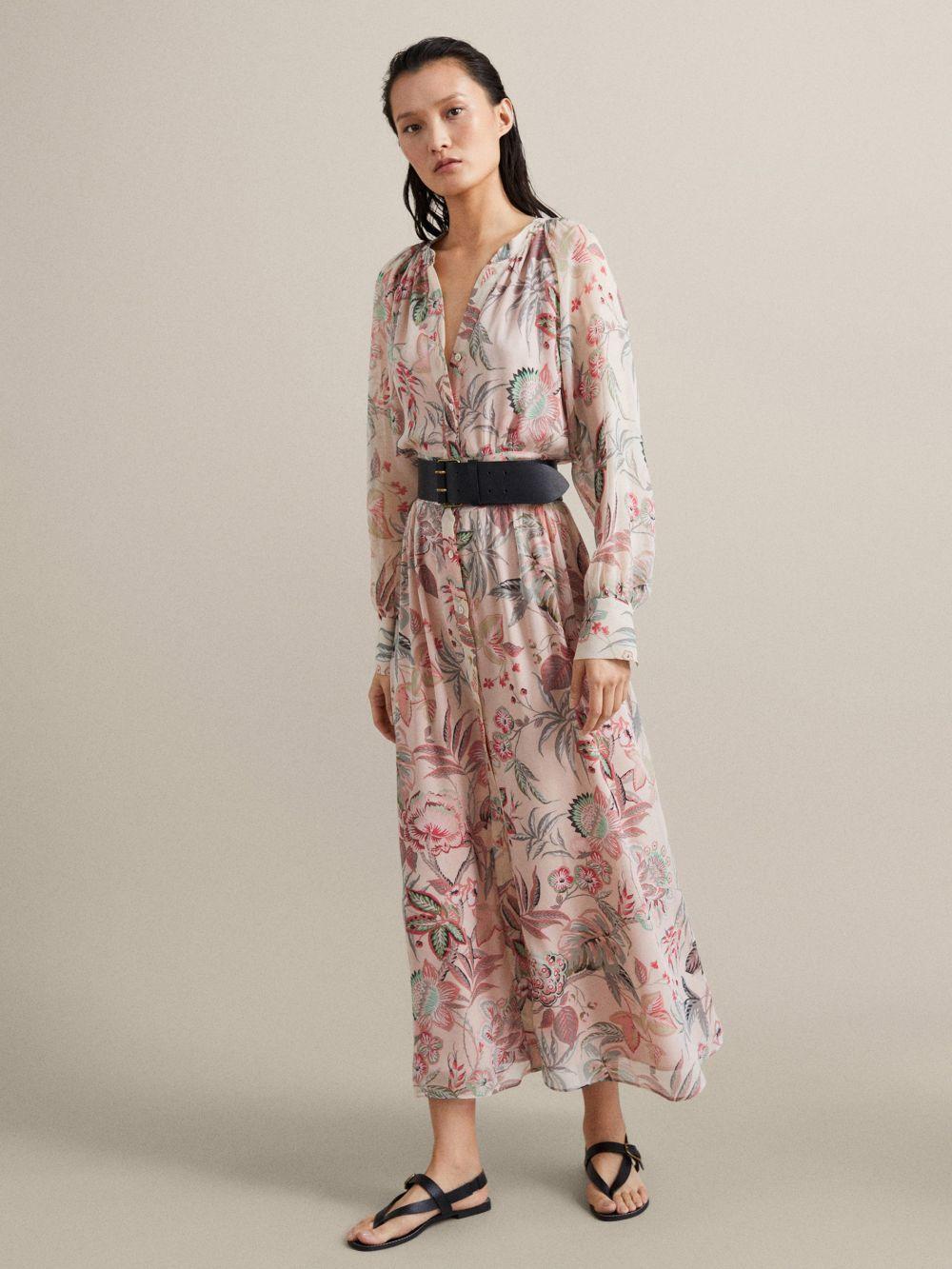 Vestido de flores, de Massimo Dutti (99,95 euros).