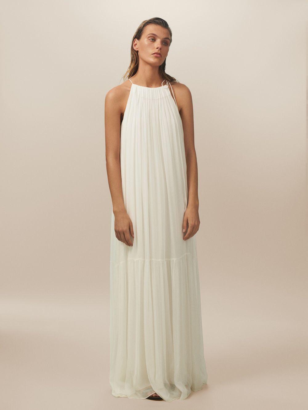 Vestido bámbula, de Massimo Dutti (169 euros).