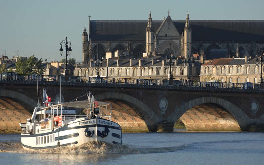 Crucero por el Garona.