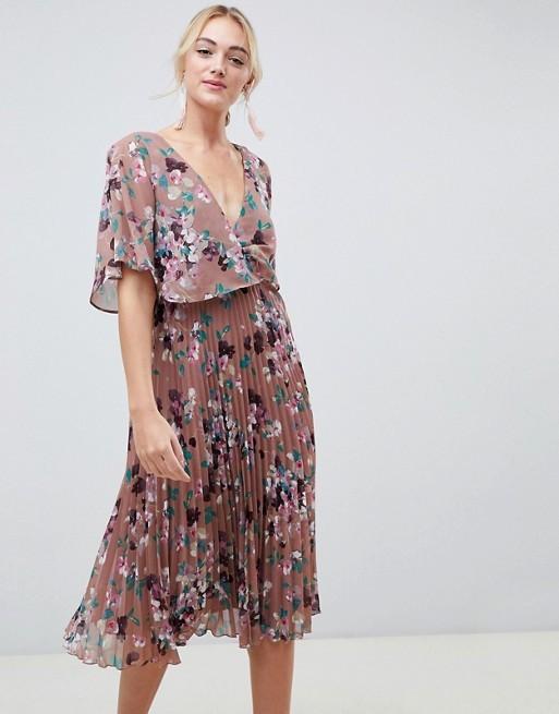 Vestido plisado de Asos (45,99 euros).