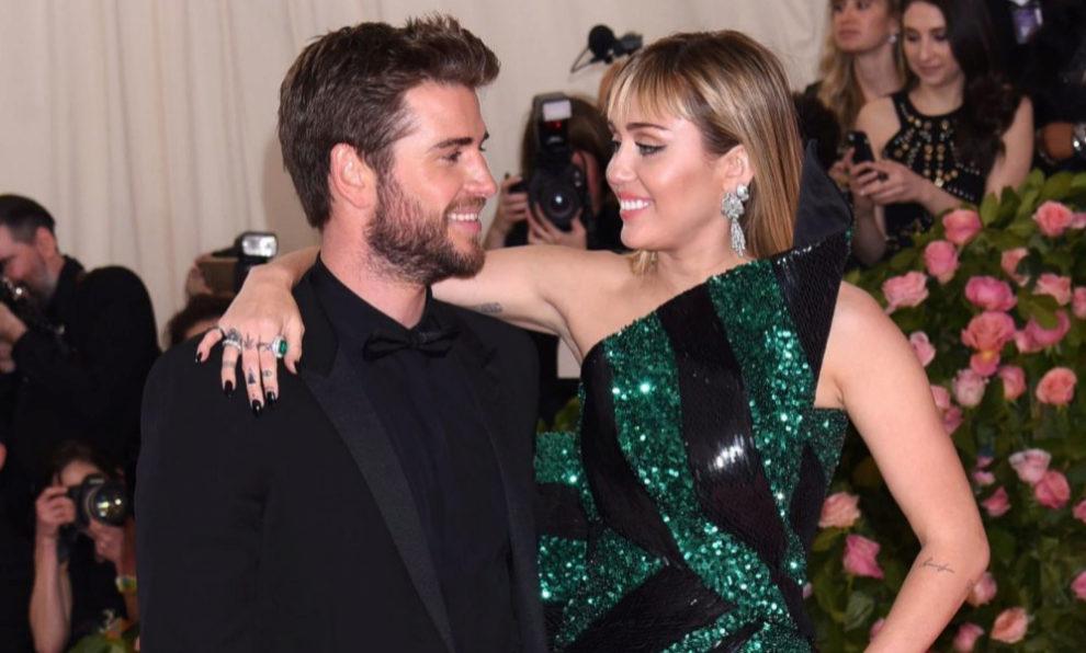 Miley Cyrus y Liam Hemsworth en la gala MET.