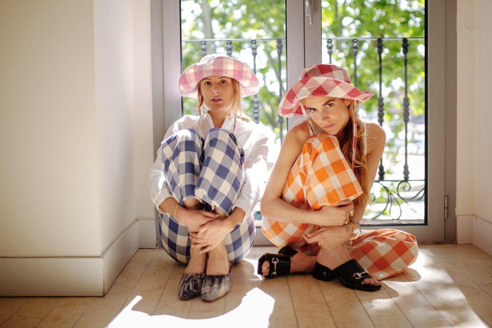 Blanca Miró y María de la Orden con modelos de La Veste.