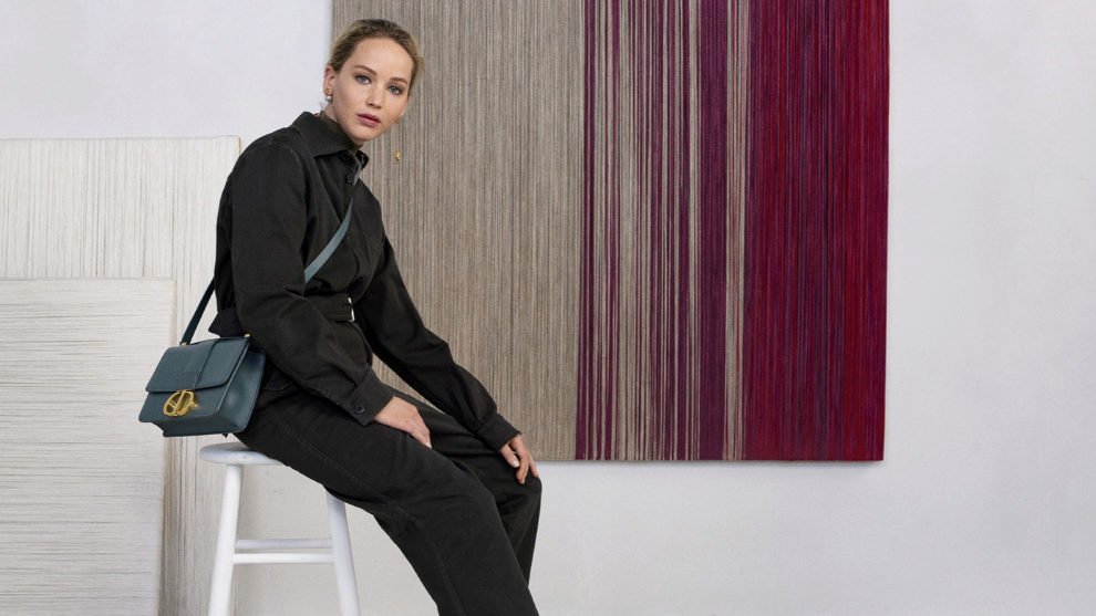 Jennifer Lawrence es la embajadora del nuevo bolso Montaigne 30 de...