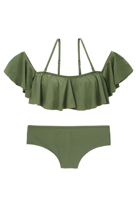 Bikini con volantes. Top (29,99 euros) y braguita (16,99 euros).