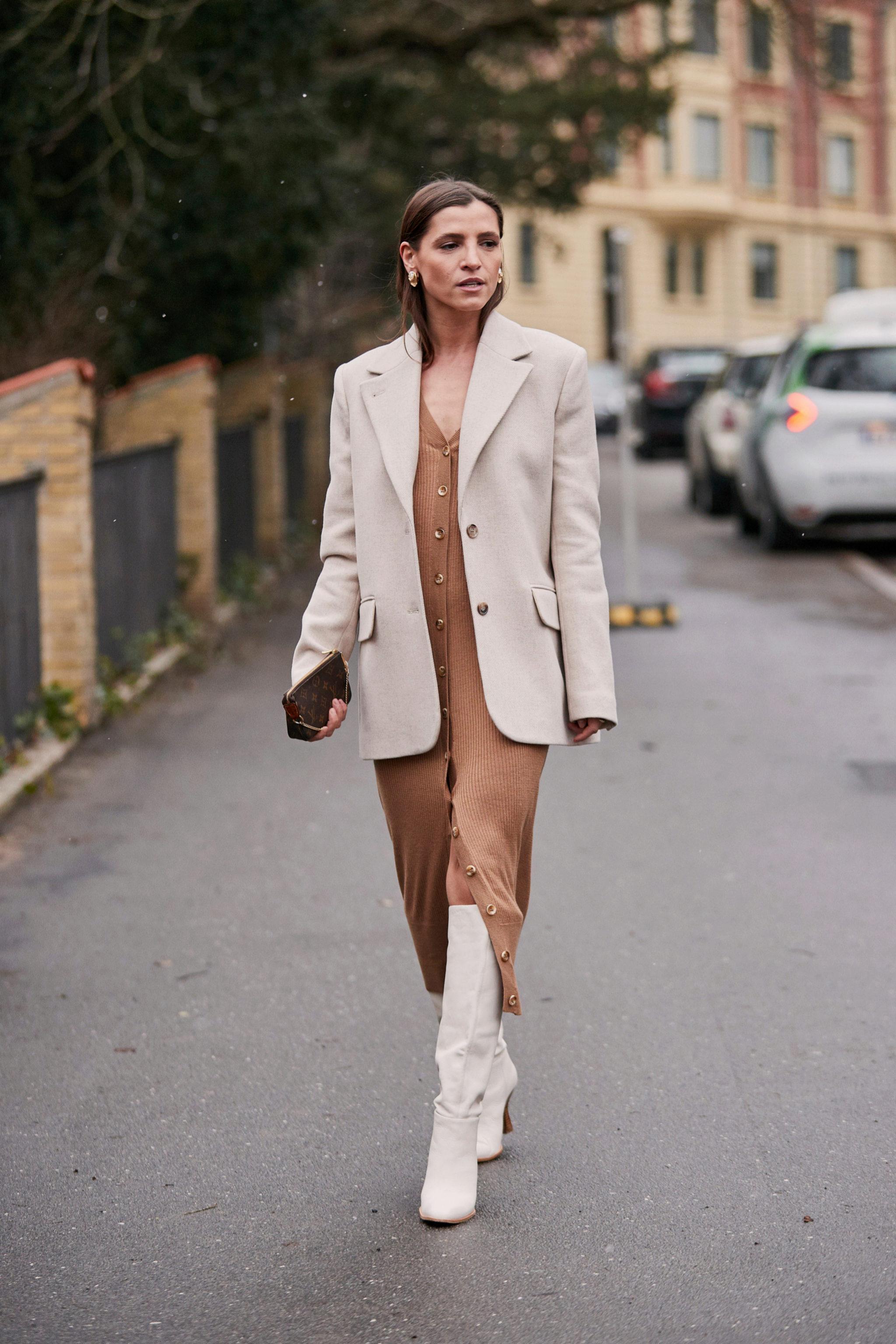 Street style de Copenhague con una blazer