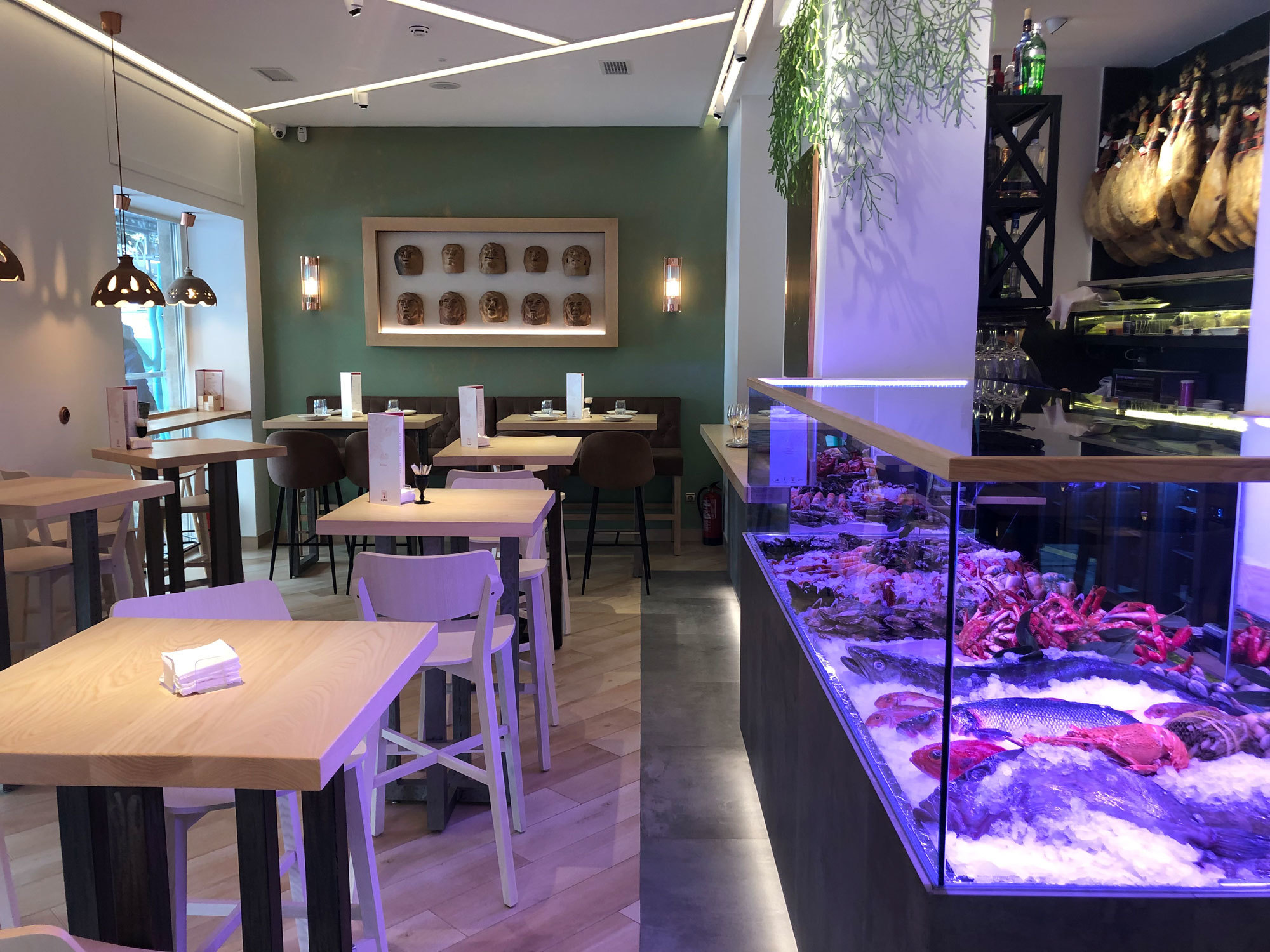 Restaurante Ogrelo, en la calle Menorca, 39.