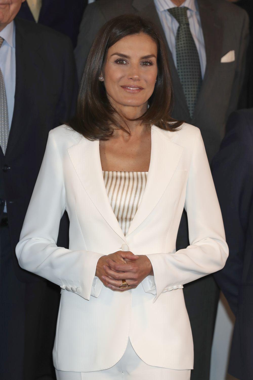 Doña Letizia en  una reunión del Patronato de la Fundación de Ayuda...