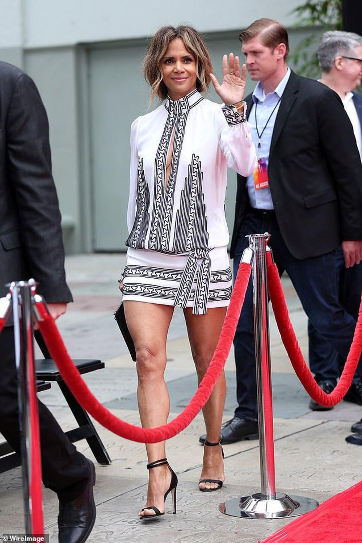 Halle Berry con un diseño de Teresa Helbig.