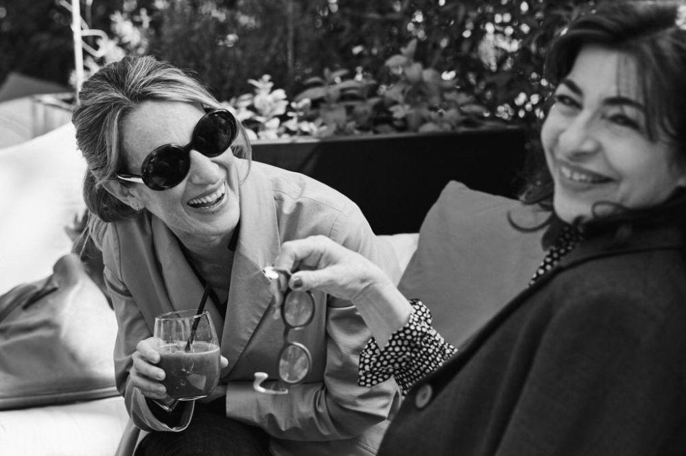 La escritora Milena Busquets y la periodista Vis Molina, durante la...