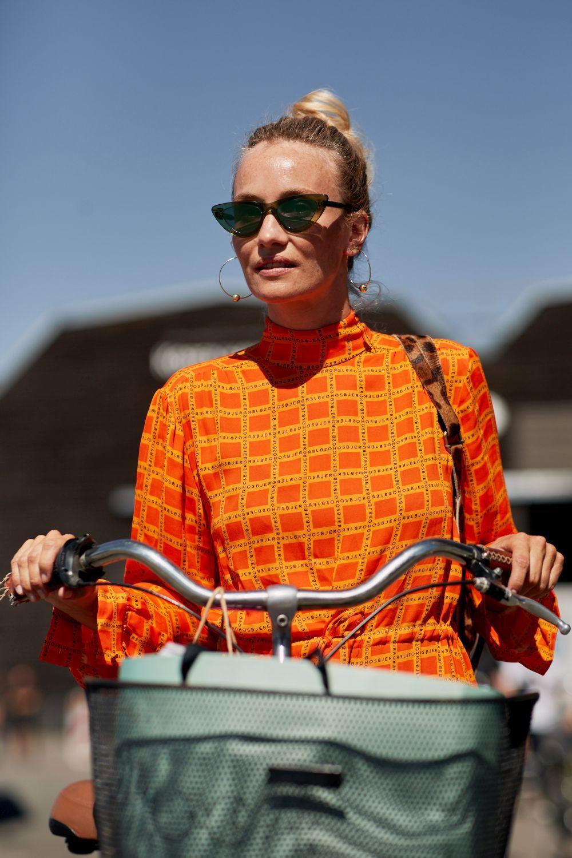 Las danesas siempre saben cómo combinar sus looks de street style con...