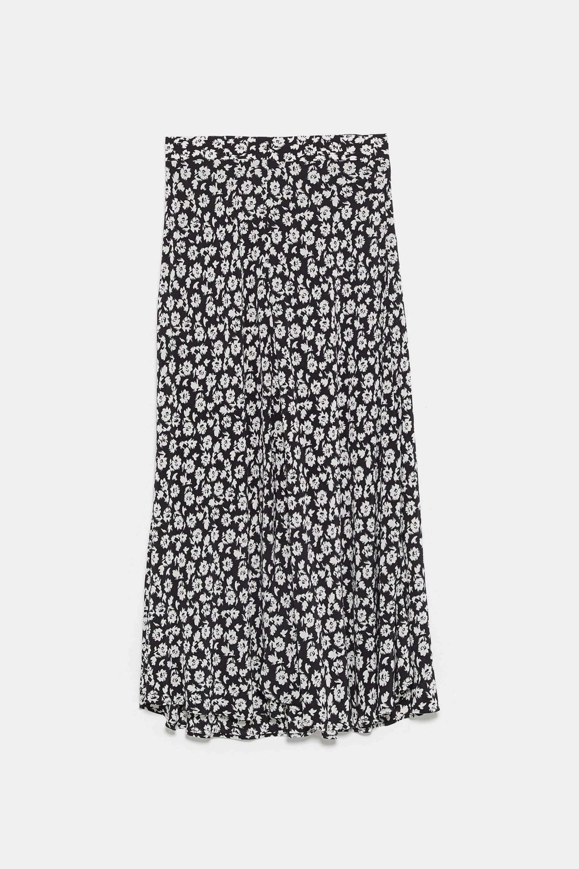 Falda midi de flores de Zara
