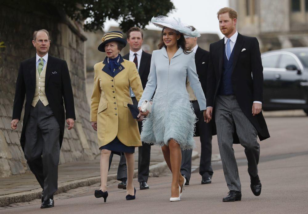 El príncipe Harry llegando a la boda de Lady Gabriella Windsor.